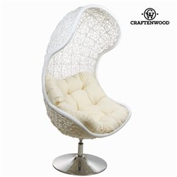 Chaise en rotin blanche by Craftenwood